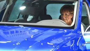 """Merkels Diesel-Gipfel und das Warten auf """"Merkron"""""""