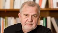Der Schriftsteller Rüdiger Safranski nahm den Deutschen Nationalpreis entgegen.