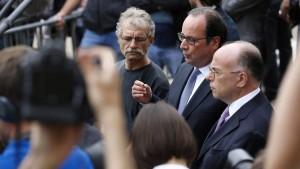"""Hollande: Angriff in Kirche war """"schändlicher Terroranschlag"""""""