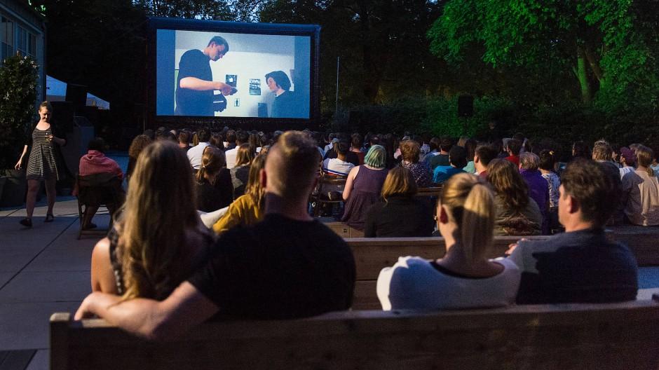 Ein Abend im Open-Air-Kino kann so schön sein – wenn doch nur die anderen Besucher nicht wären.