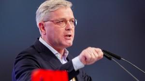 Röttgen fordert Sanktionen gegen Russland