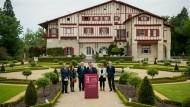 Sie besiegeln die Auflösung der Eta: Teilnehmer einer Konferenz am Freitag im französischen Cambo-les-Bains
