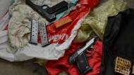 Bundespolizei nimmt zwölf Verdächtige fest