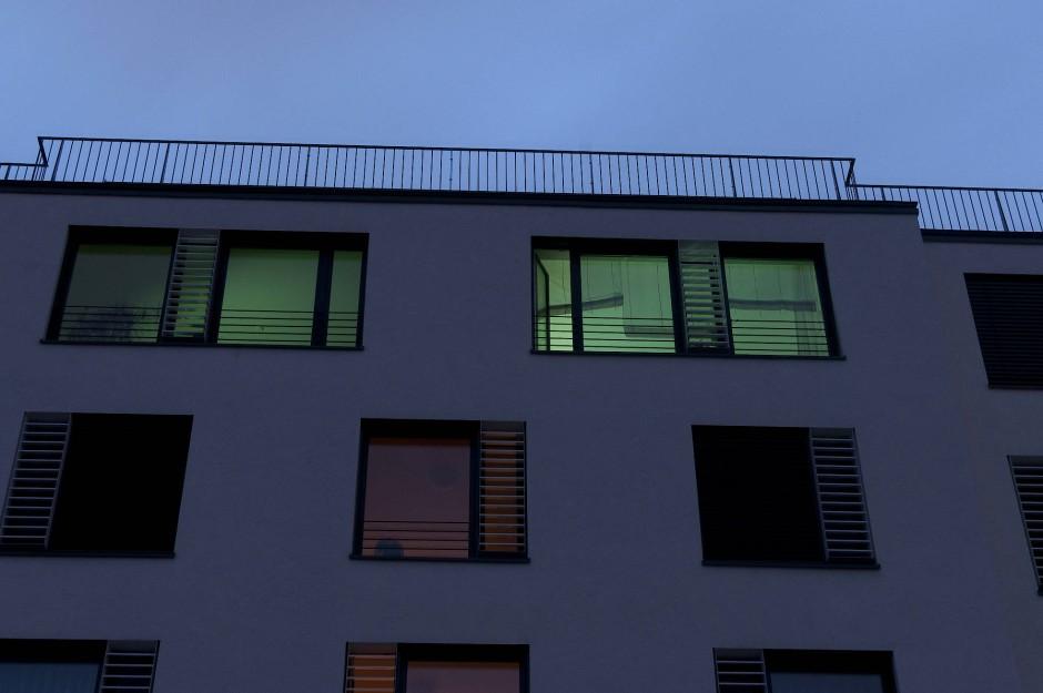 bild wohnzimmer grün: : Deutsche Wohnzimmer zur EM: Dasselbe in Grün – Bild 7 von 7 – FAZ