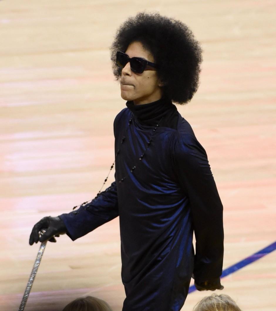 Eine der letzten öffentlichen Aufnahmen des Popstars zeigt Prince in Oakland am 3. März.