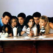 """Echte Freunde teilen – mit diesem Foto wurde die dritte Staffel """"Friends"""" beworben. Es ist auch auf dem T-Shirt unserer Autorin."""