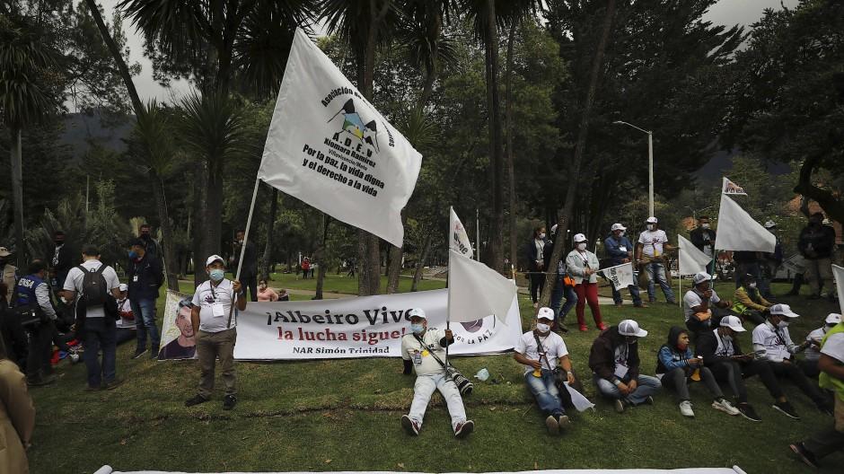 """Farc-Anhänger beim """"Marsch für das Leben und den Frieden"""""""