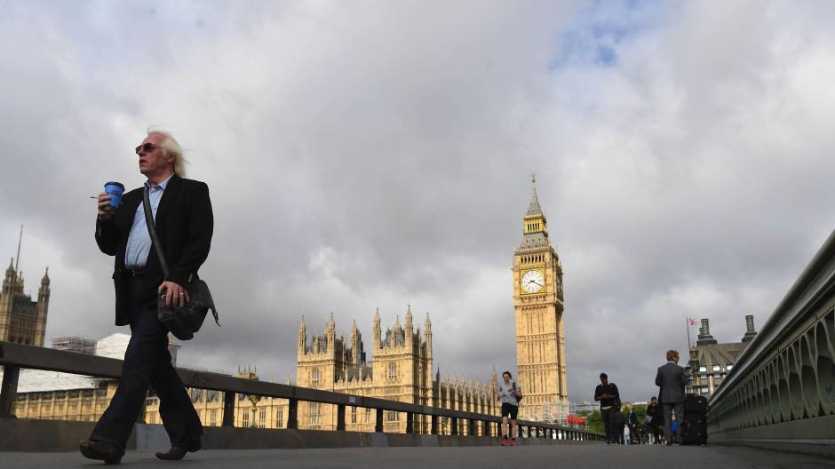 Blick von der Westminster Bridge in London