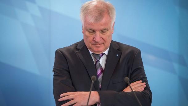 Seehofer wettert gegen Österreich