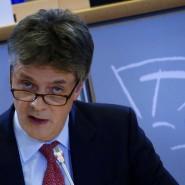 Jonathan Hill muss noch einmal die Fragen der EU-Parlamentarier beantworten