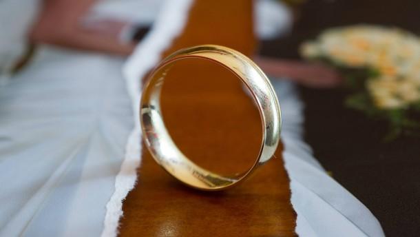 Wer zu spät kommt, bleibt verheiratet