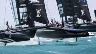 Hohe Kunst: Die zurzeit vor Bermuda segelnden Katamarane der Klasse AC 50 sind zwar deutlich kleiner als die beim vorigen America's Cup in der Bucht von San Francisco eingesetzten 72-Fuß-Boote.