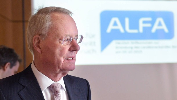 """Henkel bezeichnet AfD als """"NPD light"""""""