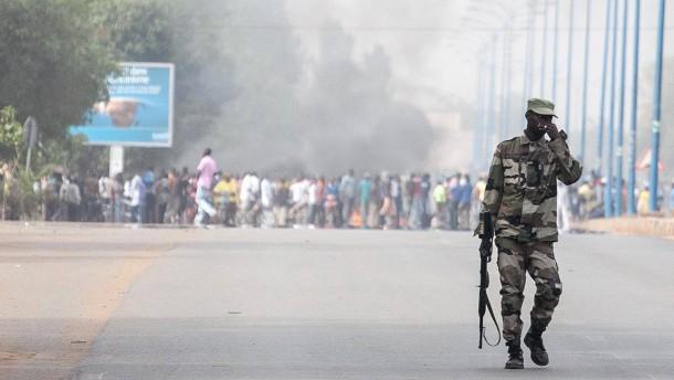 Schießerei unter malischen Soldaten in Bamako