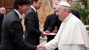 Der Papst beeindruckt das DFB-Team