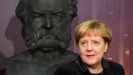 Kanzlerin diskutiert mit CDU-Mitgliedern im Netz