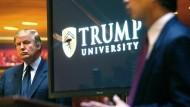 2005 gab Donald Trump die Gründung seiner Trump University in New York bekannt.