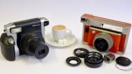 Nicht kleiner zu kriegen: Fujifilm Instax Wide 300 und Lomo Instant Wide