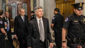 Botschafter belastet Präsident Trump in Ukraine-Affäre