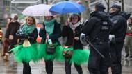 Unter massivem Polizeischutz: Karneval in Köln