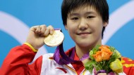 16 Jahre junge Chinesin schwimmt Weltrekord
