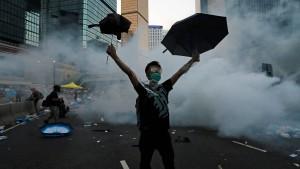 Hongkonger Studentenführer müssen ins Gefängnis
