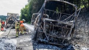Unaufmerksamkeit des Fahrers verursachte Unfall mit 18 Toten