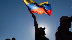Maduros Gegner gehen aufs Ganze
