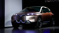 Der BMW iNEXT fährt elektrisch und autonom – hier bei seiner Vorstellung auf der Los Angeles Auto Show.