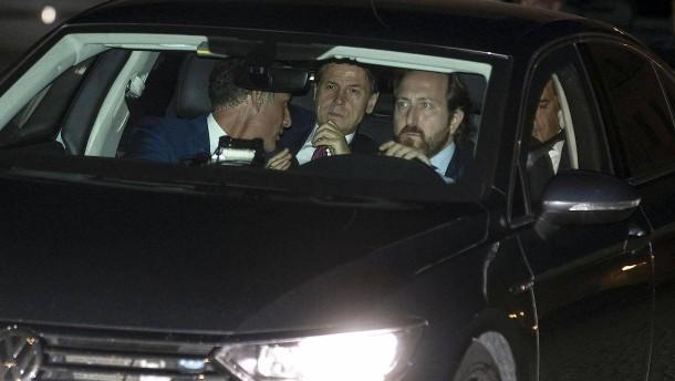 Italiens Ministerpräsident Conte reicht Rücktritt ein