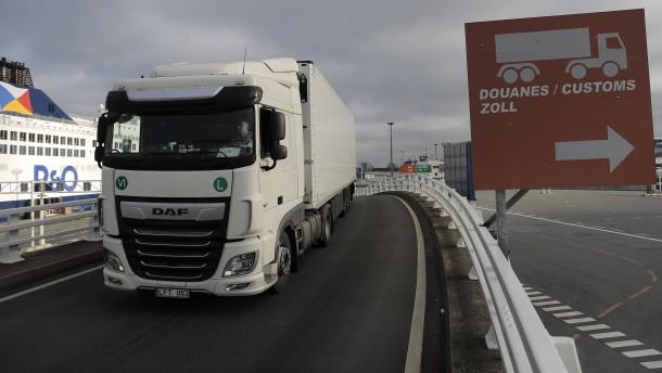 Die Lastwagen rollen auch nach dem Brexit