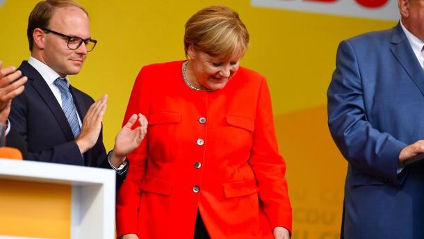 Merkel mit Tomaten beworfen