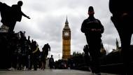 Dunkle Wolken über London: Wie geht es nach der Wahl in Großbritannien weiter?