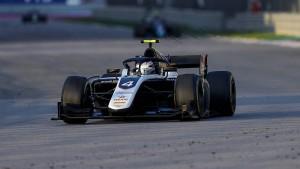 Heftiger Unfall in der Formel 2