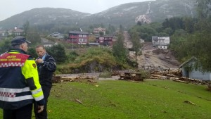 Schlammlawine durchschneidet Dorf in Norwegen