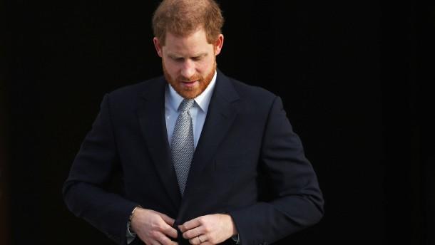 Prinz Harry fliegt zurück zu Meghan