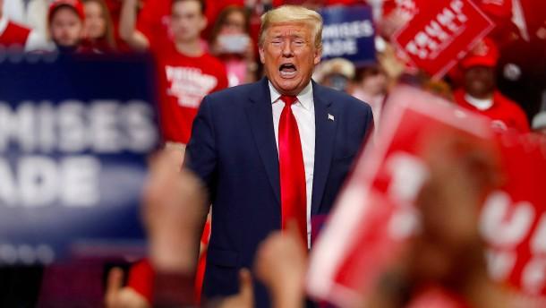 Trump will wieder vor großem Publikum auftreten