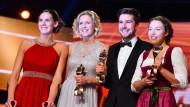Sportler des Jahres: Kira Walkenhorst (l.) und Laura Ludwig sowie Johannes Rydzek und Laura Dahlmeier (r.)