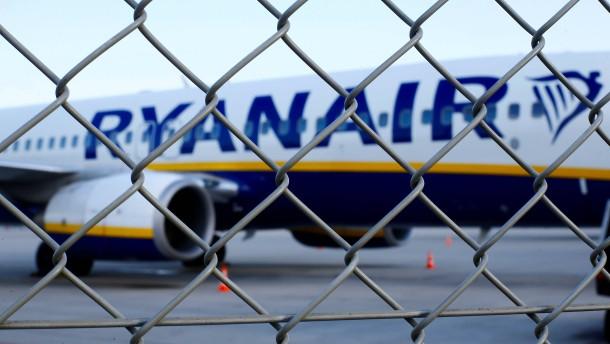 Durchsuchung von Ryanair-Maschine in Berlin beendet