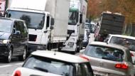 Künstlich erzeugte Staus gegen Fahrverbote? Die Hessische Umweltministerin Hinz fordert Pförtnerampeln.