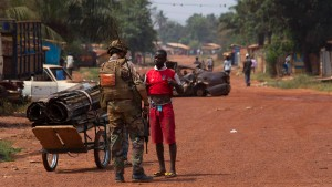 Mehr als 70 Tote bei Kämpfen