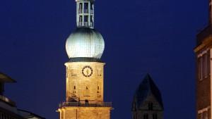 Neonazis nach Turm-Besetzung wieder frei