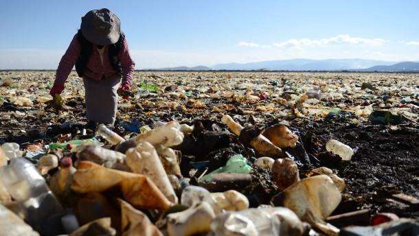 Nur noch Plastik im Uru-Uru-See