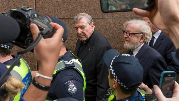 Kardinal Pell muss wegen Kindesmissbrauchs hinter Gitter