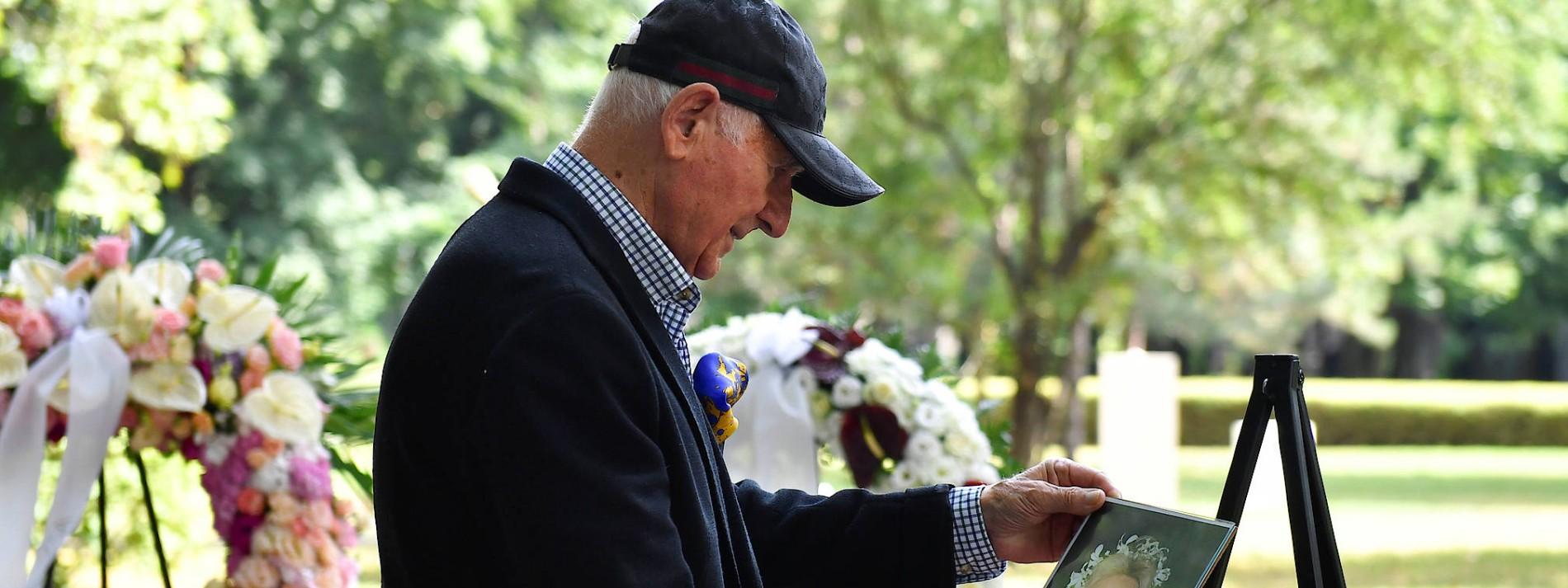 Zsa Zsa Gabors Urne in Budapest beigesetzt