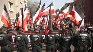 Mehr als 30.000 Rechtsextremisten in Deutschland