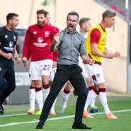 Grenzenloser Jubel bei Nürnbergs Trainer Michael Wiesinger nach dem Abpfiff des Relegationsspiels gegen den FC Ingolstadt.