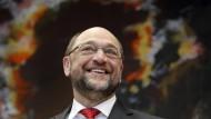Auch langjährigen Weggenossen im Europaparlament fällt es schwer, den künftigen SPD-Kanzlerkandidaten wirtschaftspolitisch zu verorten.