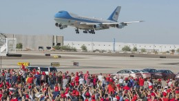 Kampfjet fängt bei Trump-Rede Flugzeug ab