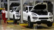 Künftig ohne Diesel-Antriebe? Montage des Cayenne im Leipziger Porsche Werk